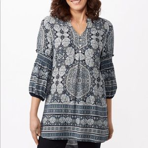 Anthro fig and flower tunic blue and white top